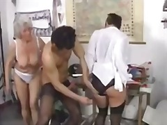 Porno: Qrup, Qoca Nənə