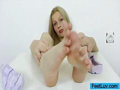 جنس: غريب جداً, حب الأرجل, عارضات, شقراوات
