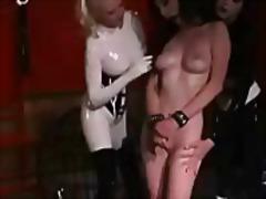 Porno: Pupi, Latekss, Mātes, Lesbietes