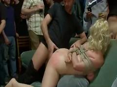 Porn: Bdsm, V Javnosti, Zvezan