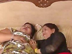 Porn: Lezbijka, Indijka