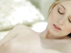 Porno: Afeitada, Rubia, Tanga, Solo