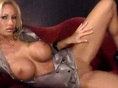 포르노: 섹시한중년여성, 금발미녀, 연인, 라텍스