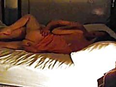 პორნო: ღალატი, ცოლი, სასტუმრო