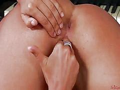 Porn: Joške, Masturbacija, Pobrita, Naravne Prsi