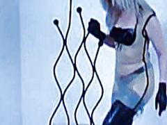 פורנו: חליפות גומי, שליטה נשית