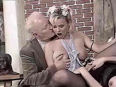 جنس: تبول, النيك بالأيدى, فموى, خبيرات