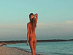 Porno: Tənha, Bikini
