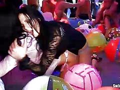 جنس: حفلة, نساء هائجات, بنات, واقعى