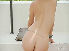 Porn: Blondinka, Solo, Pobrita