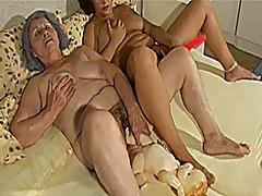 Porno: Lesbi, Vanaema