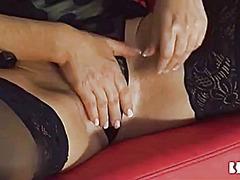 Porno: Neylon, Masturbasya, Tənha, Sarışın