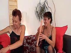 Porno: Ana, Lezbi, Yaşlı, Amcıq