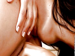 Porn: समलिंगी स्त्रियां, चुम्बन, भगांकुर