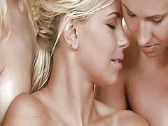 جنس: رسائل, قبلات, لعق, سحاقيات