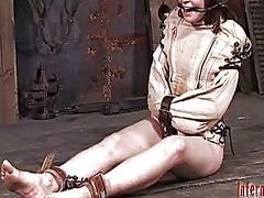 جنس: خارق, تقييد وسادية, عبيد, إذلال