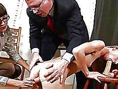 פורנו: מגולחות, במשרד, אוננות, מזכירות