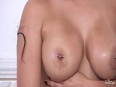 Порно: Татуировка, Леко Порно, Цици, Бръснати