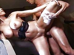 Porn: Jahanje, Penis