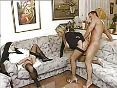 Pornići: Baka, Porno Zvijezda, Zrele Žene