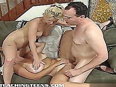 Pornići: Seks U Troje, Mršavica