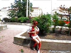Lucah: Awam, Rambut Merah, Realiti