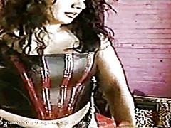 ಪೋರ್ನ್: ಕುಂಡಿಗೆ ಕೈ, ತುಲ್ಲಿನ ಮಹಿಮೆ