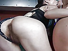 Porno: Lezbi, Tüklü, Barmaqla, Barmaqla