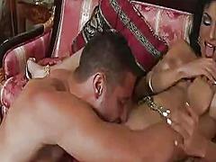 Porno: Uniforme, Pitipoance, Țâțe, Pieptoase