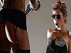 Порно: В Чулочках, Одетые Женщины Голые Мужчины, Лесбиянки