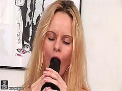 Porn: Solo, Bejba, Masturbacija, Blondinka