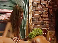 Porno: Pornostaar, Grupikas