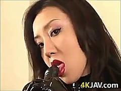 جنس: يابانيات, نساء مسيطرات, قضيب جلد, تقييد وسادية