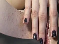 پورن: سینه های طبیعی, تحریک کردن از طریق لیس زدن پا